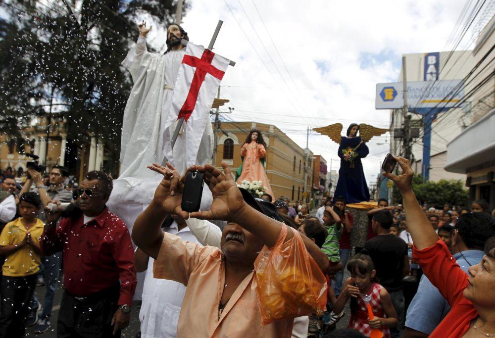Processione pasquale in Honduras.