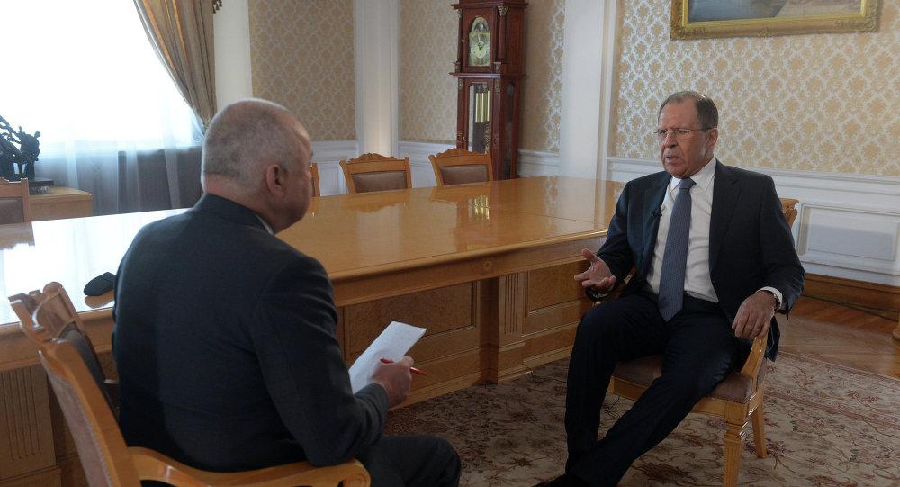 Ministro degli Esteri Sergej Lavrov intervistato da Dmitry Kiselev