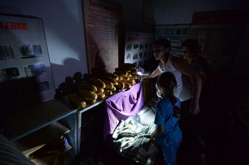 Bambini in un rifugio a Gorlovka.