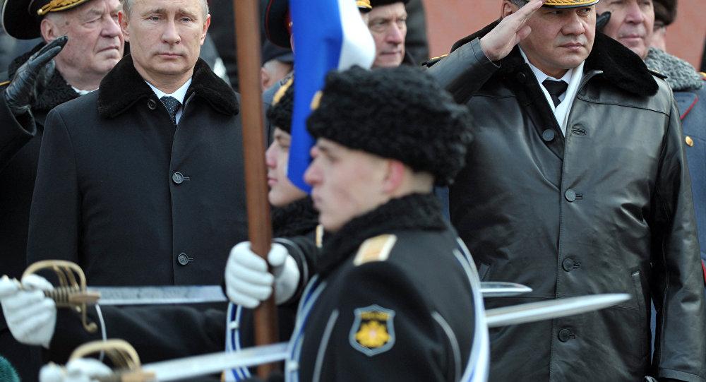 Il presidente Putin e il ministro della Difesa Shoigu