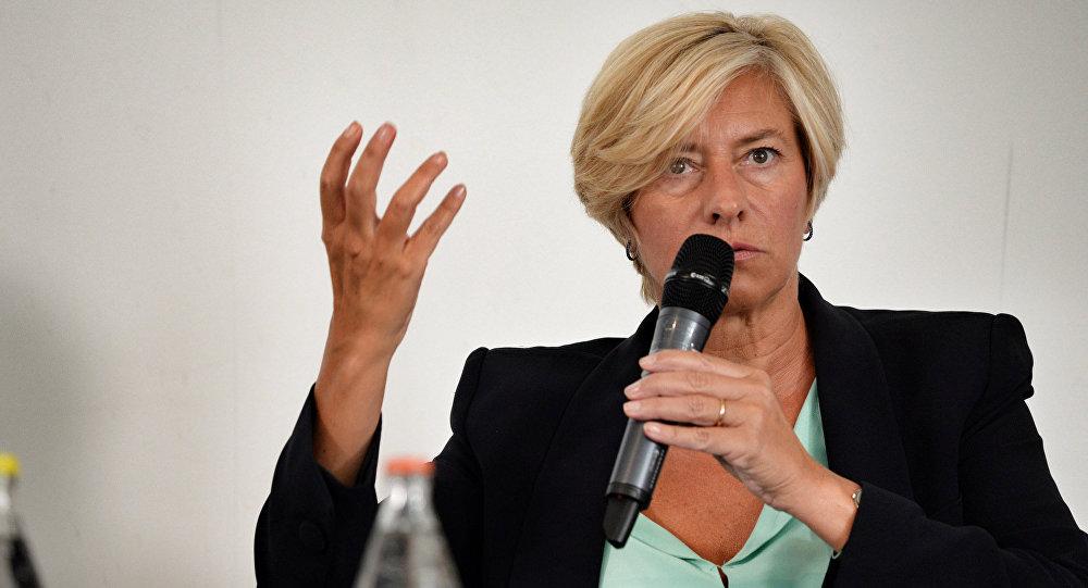 Roberta Pinotti, il ministro della Difesa dell'Italia