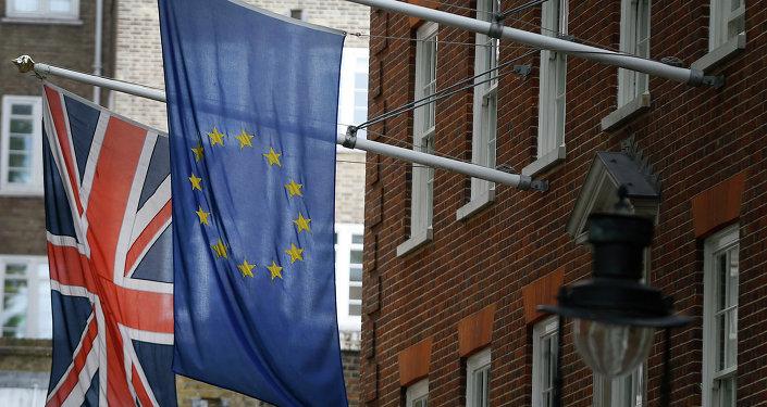 Bandiere della Gran Bretagna e dell'UE