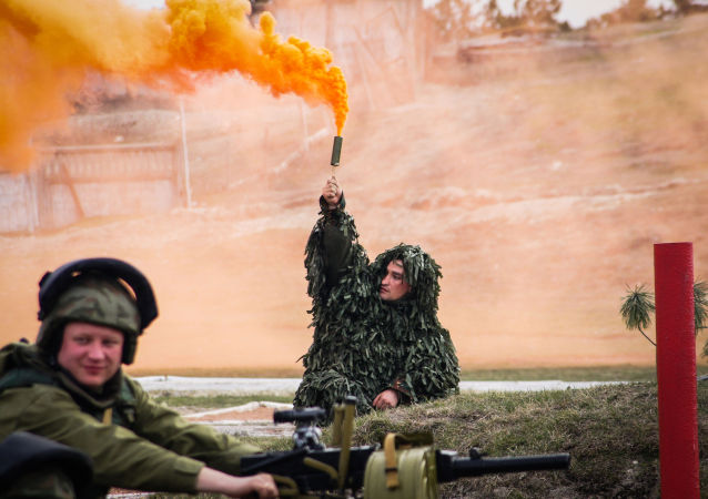 Un momento delle esercitazioni delle forze armate russe  Scudo 2015 in Crimea
