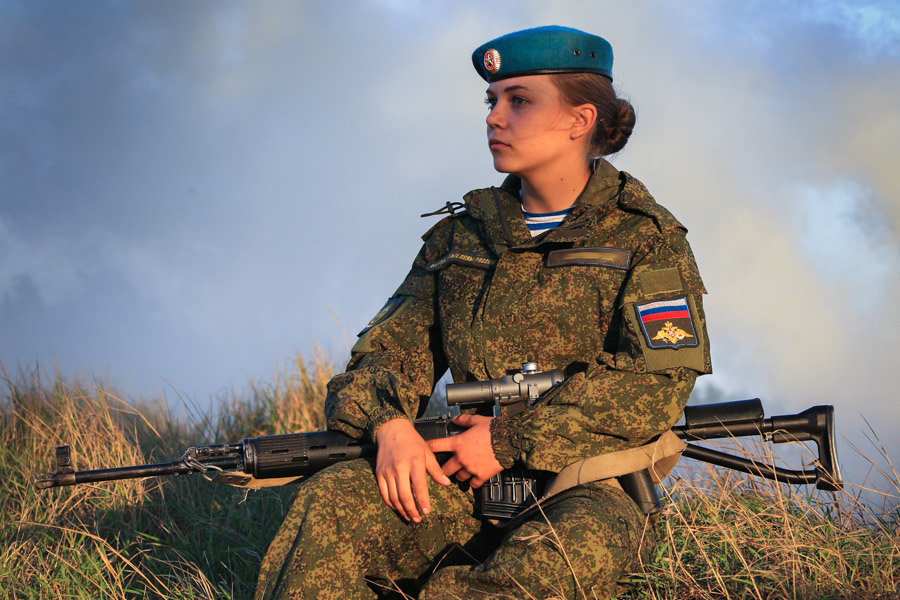 Belle e letali, le donne paracudista dell'esercito russo