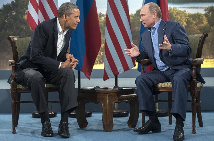 Vladimir Putin e Barack Obama al summit del G8 il 17 giugno 2013