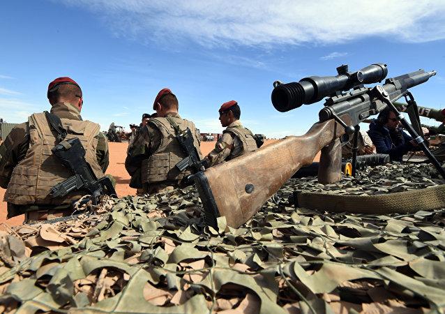 Soldati francesi in Libia