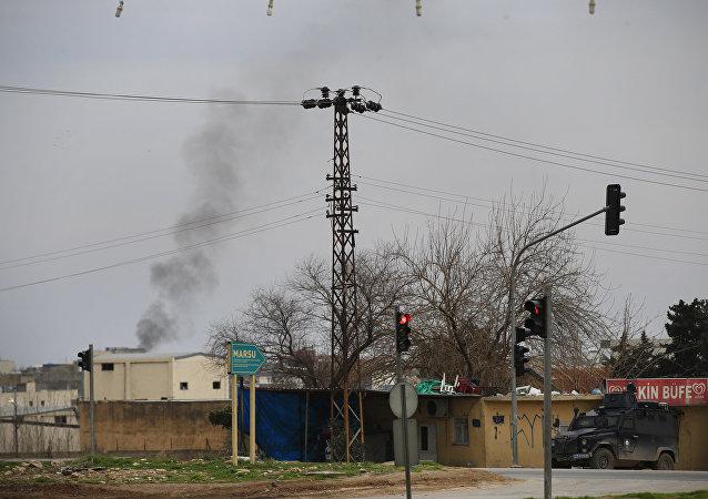 Fumo nella città turca di Nusaybin, dove le forze speciali combattono contro i curdi del Pkk (foto d'archivio)