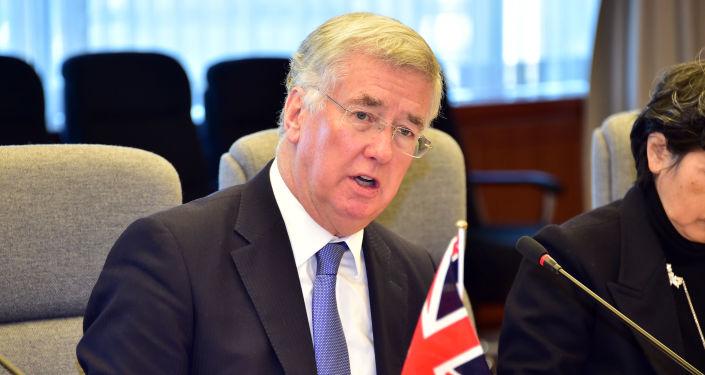 Ministro della Difesa UK Michael Fallon