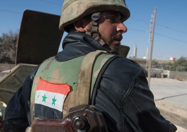 Soldato dell'esercito siriano