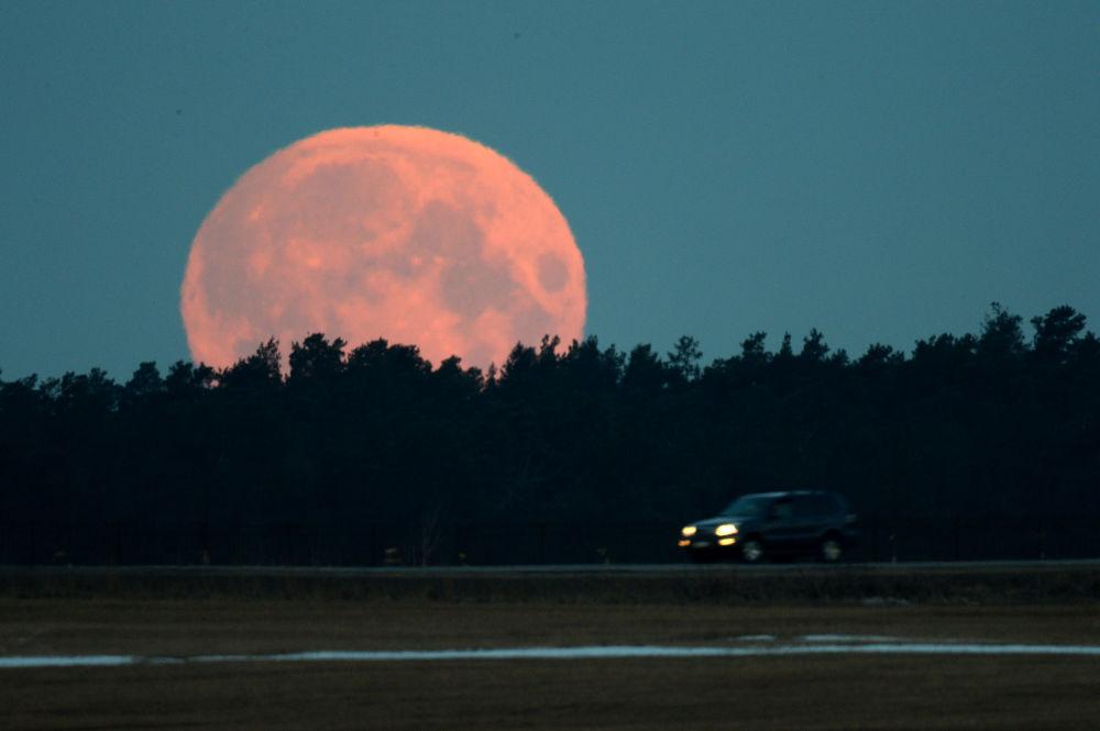 Luna rossa in Russia