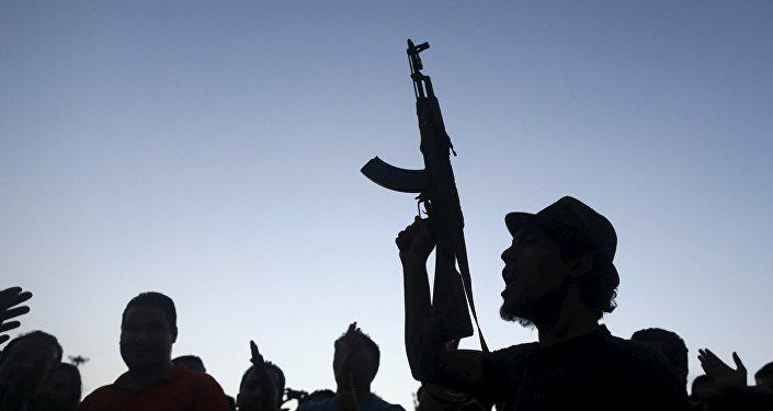 Uomo armato in Libia
