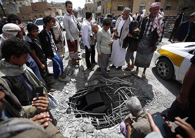 Dopo bombardamenti a Sanaa
