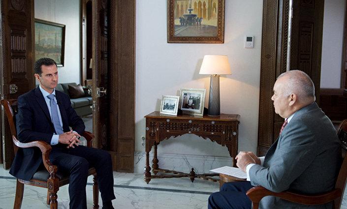Il presidente siriano Bashar al-Assad surante l'intervista