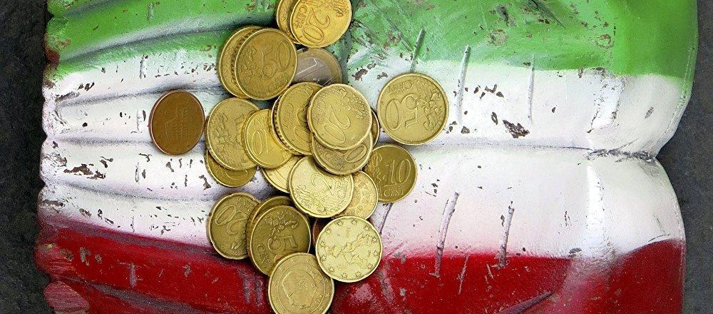 Monete euro e la bandiera italiana