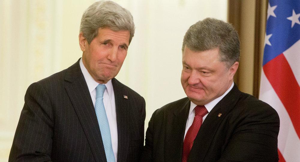 Petr Poroshenko e John Kerry