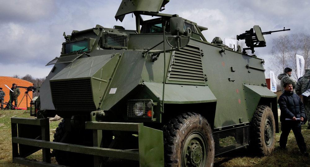 Veicolo da trasporto truppe Alvis AT-105 Saxon