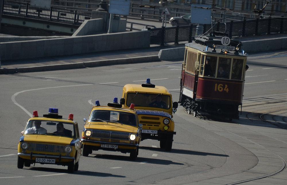 Un tram di nome Mosca, come ogni anno Mosca saluta i suoi tram con una sfilata nel centro cittadino