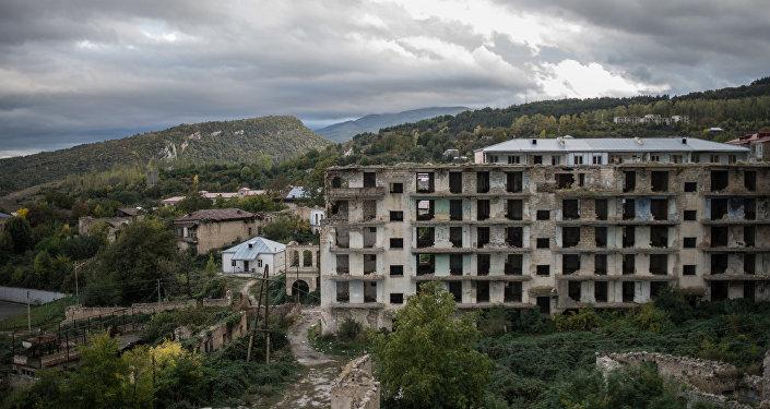 Case distrutte a Nagorno-Karabakh