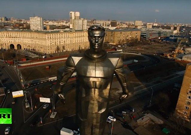 Il monumento a Yuri Gagarin a Mosca