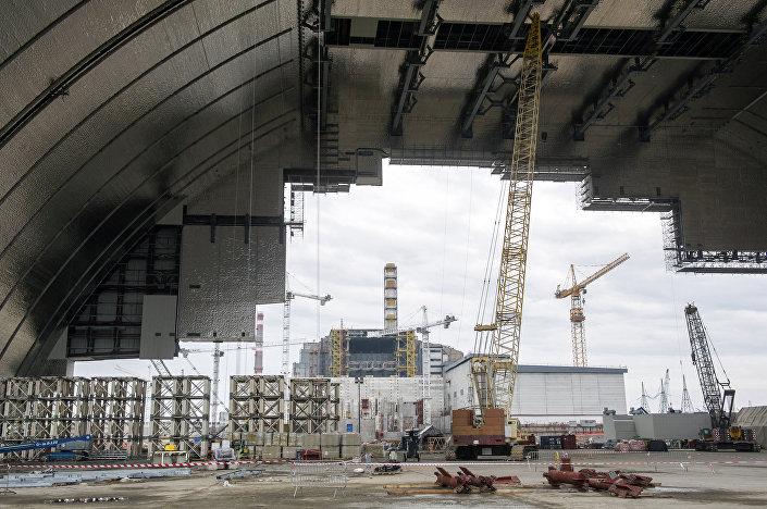 Costruzione del nuovo arco protettivo per la centrale di Chernobyl