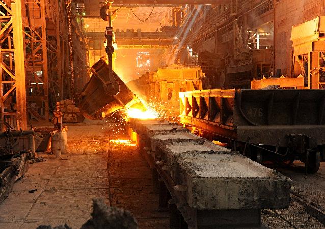 Impianto siderurgico (foto d'archivio)