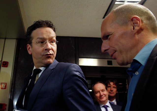 Ministro Finanze greco Yanis Varoufakis e presidente Eurogruppo Jeroen Dijsselbloem