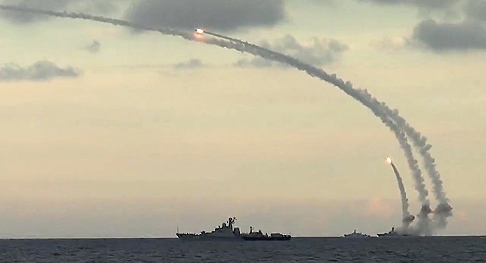Siria, missili da navi russe contro Isis