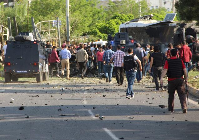Turchia, esplosione a Diyarbakir