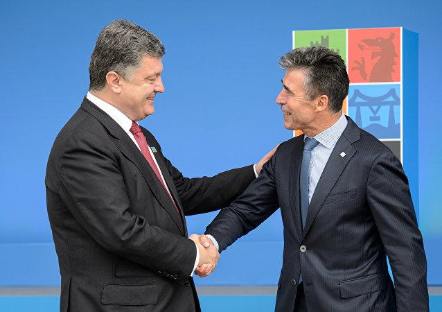 Petr Poroshenko e Anders Fogh Rasmussen