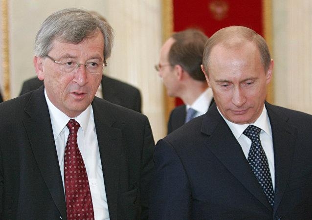 Vladimir Putin e Jean-Claude Juncker