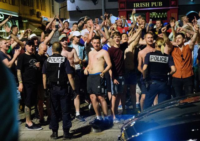 Polizia e tifosi a Marsiglia