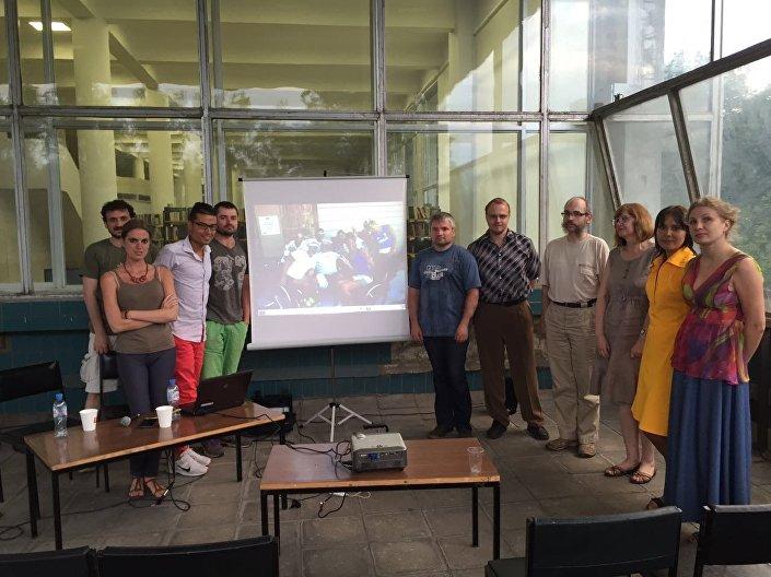 Foto di gruppo finale del ciclo di lezioni Arabeschi Italiani