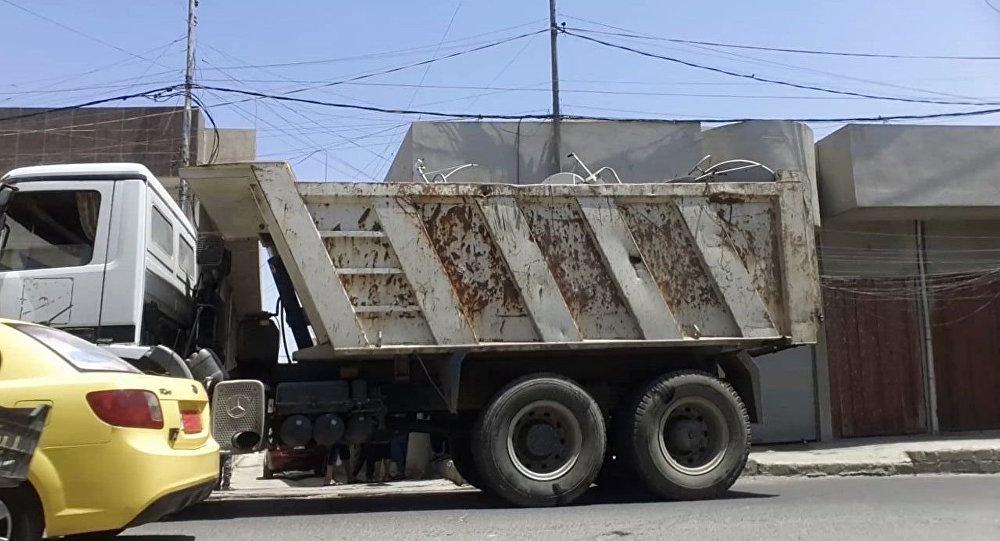 Camion con le antenne satellitari, Mosul, Iraq