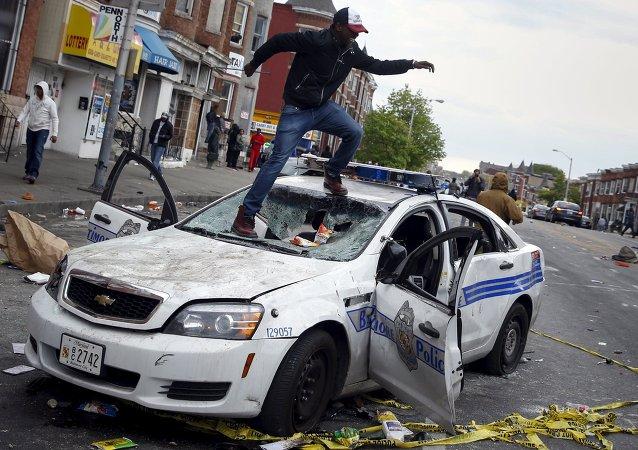 Le proteste a Baltimora, Maryland, il 27 Aprile, 2015