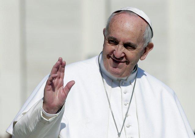 A settembre papa Francesco farà tappa a Cuba, prima di arrivare negli Usa per la sua visita apostolica.