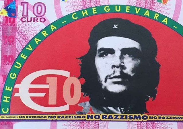 I voucher da 10 euro distribuiti ai migranti