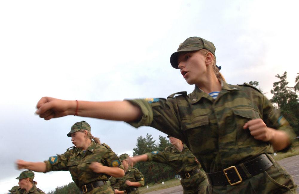 2 agosto, il giorno dei paracadutisti russi
