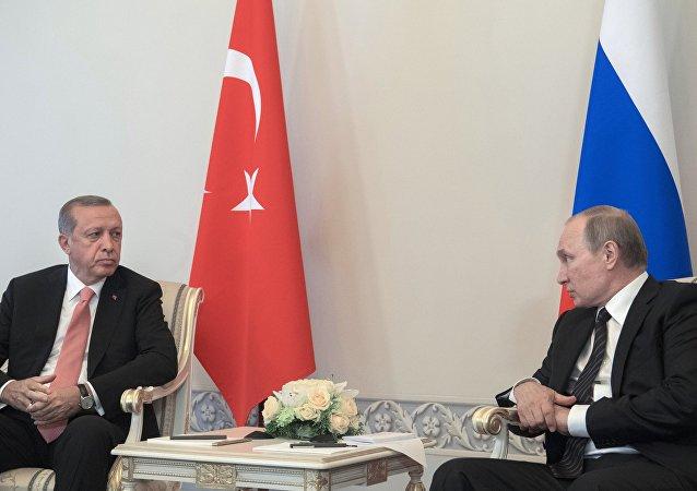 Incontro tra Vladimir Putin e Recep Tayyip Erdogan a San Pietroburgo