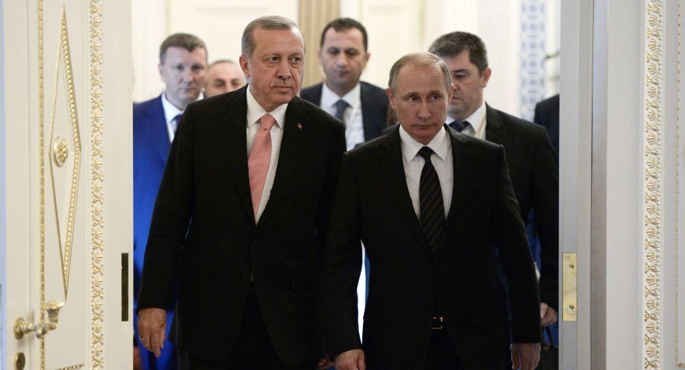 Incontro tra Putin e Erdogan a San Pietroburgo