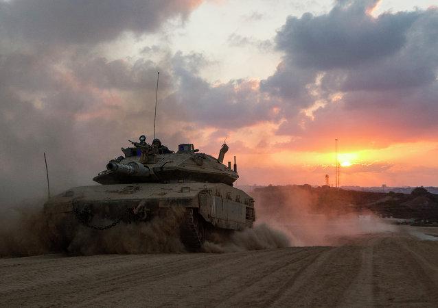 Carroarmato israeliano nei pressi della Striscia di Gaza