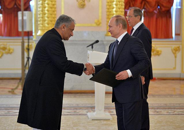 Vladimir Putin e Qazi Khalilullah