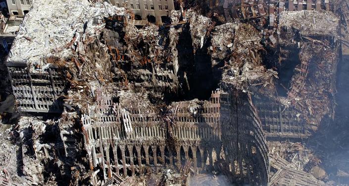 Torri Gemelle (Twin Towers) distrutte dopo attacco 11 settembre 2001 a New York