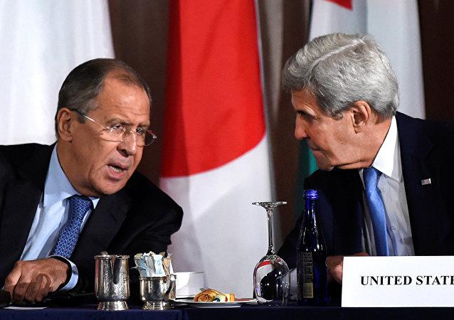 Sergey Lavrov e John Kerry a New York nell'incontro sulla Siria