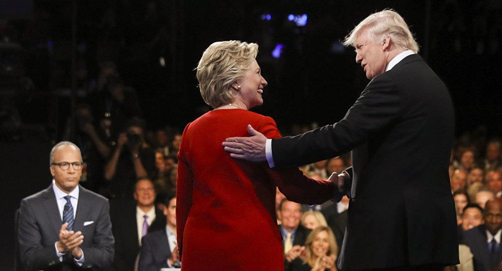Clinton si è fatta vedere in giro