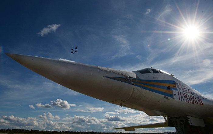 L'aereo portamissili supersonico Tu-160 al Forum militare internazionale Army-2016.