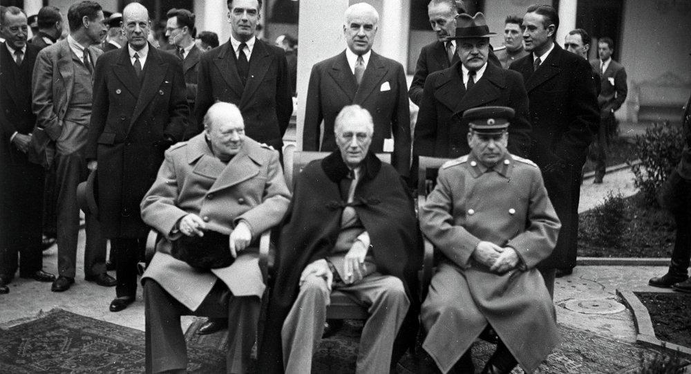 Conferenza dei leader dell'alleanza anti-Hitler a Yalta