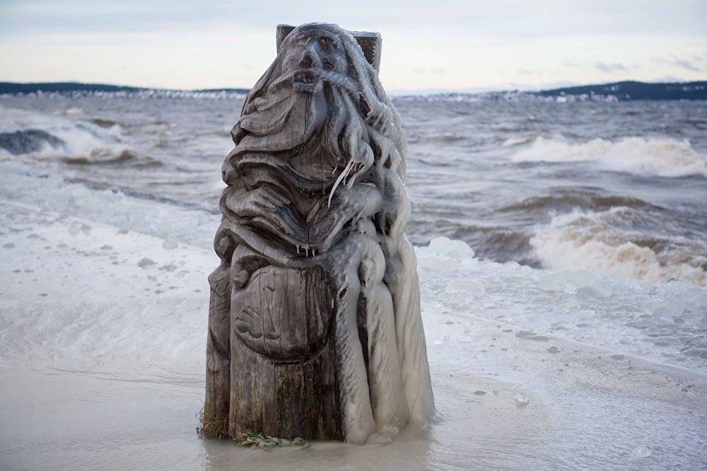 Tempesta di ghiaccio  sul lago Onega