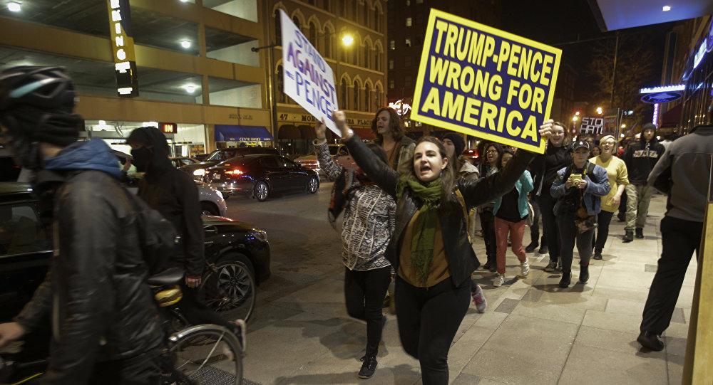 Spari alla marcia anti-Trump, un ferito a Portland
