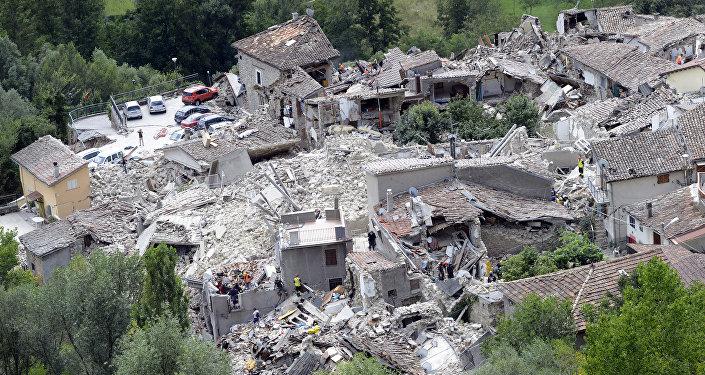 Case distrutte da un terremoto, Italia
