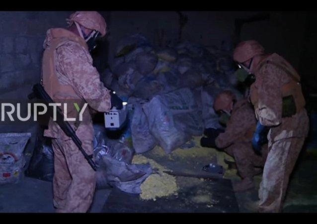 Siria: militari russi ispezionano un presunto laboratorio di armi chimiche ad Aleppo